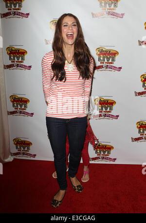 Disney Junior Live auf Tour! Pirate & Prinzessin Abenteuer Held bei Dolby Theater mit: Samantha Harris wo: Hollywood, - Stockfoto