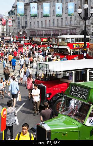 Regent Street, London, UK, 22. Juni 2014. 2014 ist das Jahr des Busses: um dies zu feiern, wurde Regent Street autofrei - Stockfoto
