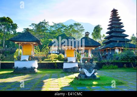 Besakih komplexe Pura Penataran Agung, Bali, Indonesien - Stockfoto