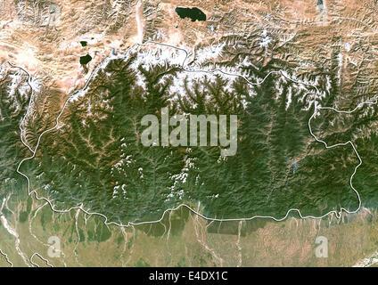 Bhutan, Echtfarben-Satellitenbild mit Rand - Stockfoto