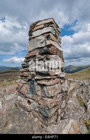 Ordnance Survey Trig Punkt auf Hochsitz, Lake District, Cumbria - Stockfoto