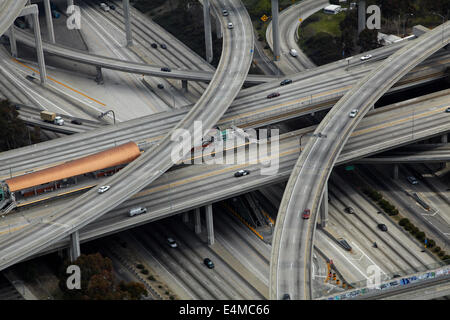 Richter Harry Pregerson Interchange, Kreuzung der i-105 und Interstate 110 bei (Glenn Anderson Freeway und Harbor - Stockfoto
