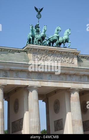 Deutschland, Berlin, Mitte, Brandenburger Tor am Pariser Platz. - Stockfoto