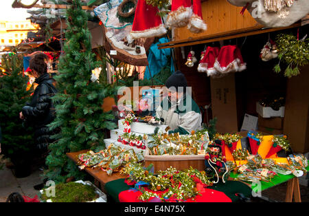 Fira de Santa Llucia (Weihnachtsmarkt) Barcelona.Catalonia.Spain. - Stockfoto