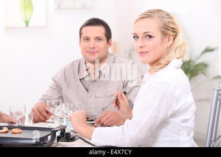 Ein schönes Abendessen mit Freunden - Stockfoto
