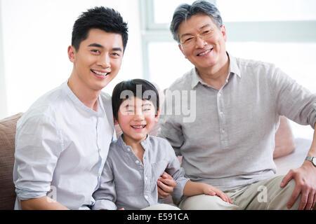 Glücklich drei Generationen von Männern - Stockfoto