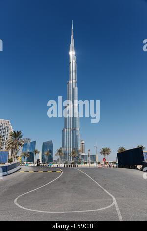 DUBAI, Vereinigte Arabische Emirate - 13 NOVEMBER: Burj Khalifa am 13. November 2013 in Dubai, Vereinigte Arabische - Stockfoto