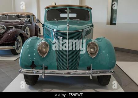Ford Phaeton V8 Deluxe, Franschhoek Motor Museum, South Africa - Stockfoto