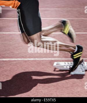 Läufer vom Startblock - Stockfoto