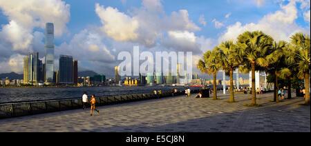 Die neue zentrale Uferpromenade, zentrale Distirct, Hong Kong, China. - Stockfoto
