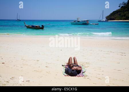 Koh Rok, Koh Rok Island, Thailand, Asien, Andaman Meer. Tropisches Paradies, Atoll, weißen Sand Korallenstrand. - Stockfoto