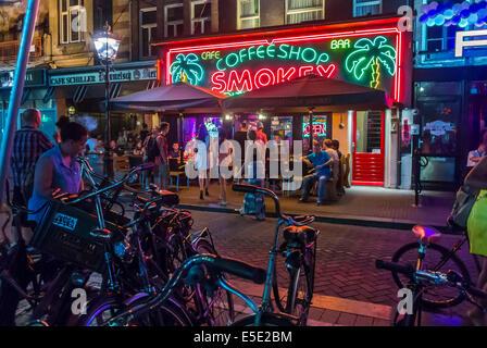 Coffee Shop Amsterdam Touristen