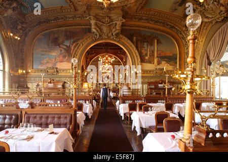 Frankreich, Ile de France, Paris 12e arrondissement, Place Louis Armand, Gare de Lyon, Restaurant Le Train Bleu, - Stockfoto