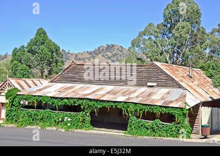 Eine alte Ladenfront, Jenkins Street Nundle NSW Australia - Stockfoto