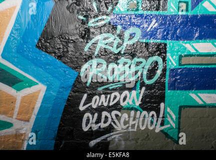 London, UK. 3. August 2014. Graffiti Künstler Banksy Erzrivale King Robbo ist nach drei Jahren im Koma gestorben. - Stockfoto