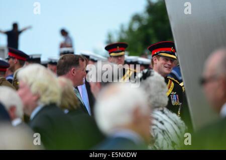 Prinz Harry stellt offiziell die ersten Weltkrieg Memorial Arch in Folkestone, Kent, UK. - Stockfoto