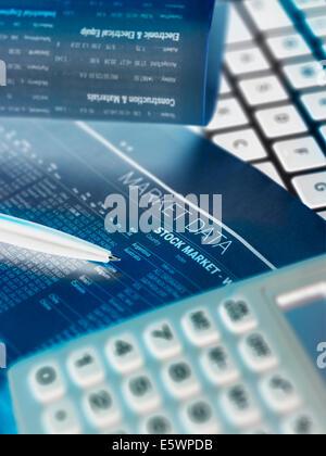 Finanzdienstleistungen, Anzeigen der Finanzmärkte zu investieren - Stockfoto