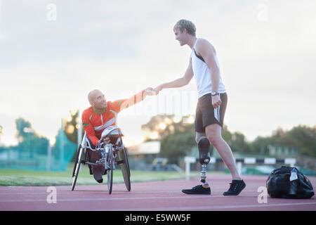 Para-Athleten machen Faust-Beule - Stockfoto