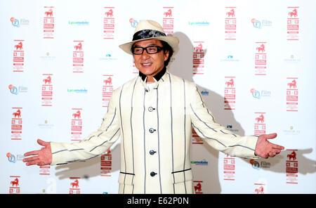 """London, UK. 12. August 2014. Schauspieler Jackie Chan nimmt an einem Fototermin eine special Screening von """"Chinese - Stockfoto"""