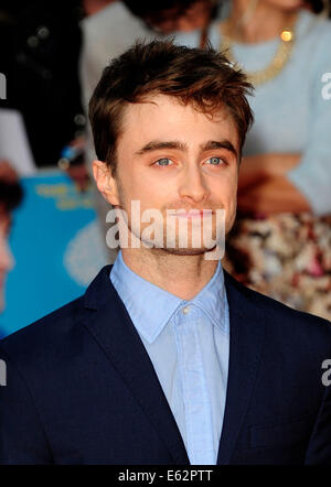 London, UK. 12. August 2014. Daniel Radcliffe besuchen die UK Premiere von WHAT IF The Odeon West End London am - Stockfoto
