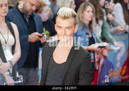"""London, UK. 12. August 2014. Prominente und Schauspieler kommen an der britischen Film-Premiere von """"Was wäre, wenn - Stockfoto"""