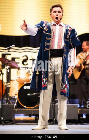 Ein ukrainischer Folk-Sänger beim Folkart festival - Stockfoto