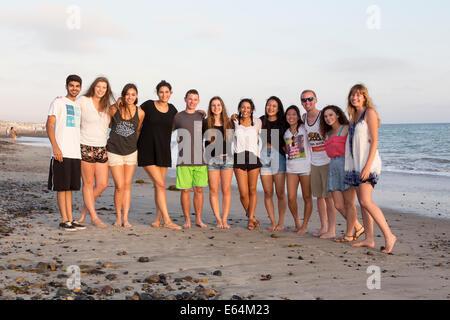 Junge Erwachsene, Jugendliche, Capistrano Beach, auch bekannt als Capo Strand, Stadt Dana Point, Orange County, California, Vereinigte Staaten von Amerika