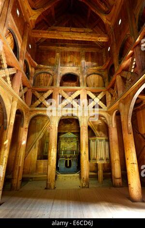 Innenraum der Borgund Stabkirche, Sogn Og Fjordane, Norwegen