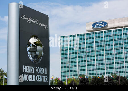 Der Sitz der Ford Motor Company in Dearborn, Michigan. - Stockfoto