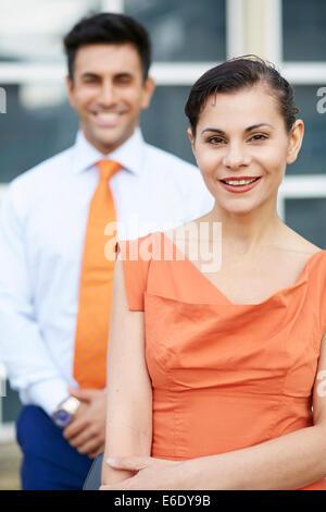 Porträt von Mann und Frau im freien - Stockfoto