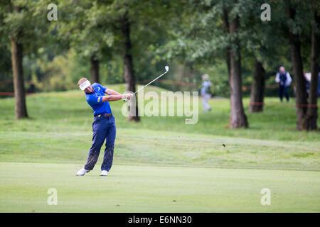 Der Holländer Joost Luiten in Aktion während der ersten Runde der 71. Italian Open statt im Circolo Golf Torino - Stockfoto