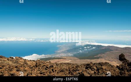 Vulkanlandschaft, Blick vom Pico del Teide, 3718m, das Orotava-Tal, Parque Nacional de Las Cañadas del Teide - Stockfoto