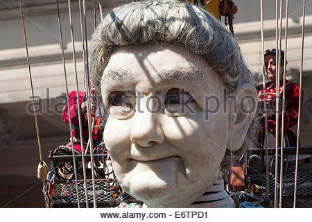 "[Großmutter Riese] Gesicht, Liverpool, ""Royal de Luxe"" Marionette, [Erinnerungen an August 1914] - Stockfoto"