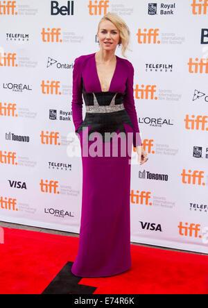 """Toronto, Kanada. 6. Sep, 2014. Schauspielerin Naomi Watts posiert für Fotos vor der Premiere des Films """"Während - Stockfoto"""