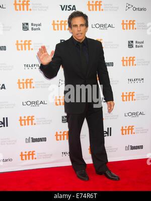 """Toronto, Kanada. 6. Sep, 2014. Schauspieler Ben Stiller posiert für Fotos vor der Premiere des Films """"Während wir - Stockfoto"""
