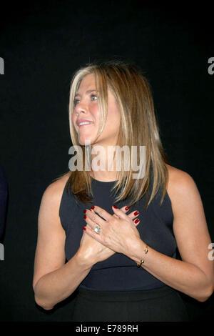 """Toronto, Kanada. 08. Sep, 2014. Schauspielerin Jennifer Aniston besucht die Premiere von """"Kuchen"""" während der 39. - Stockfoto"""