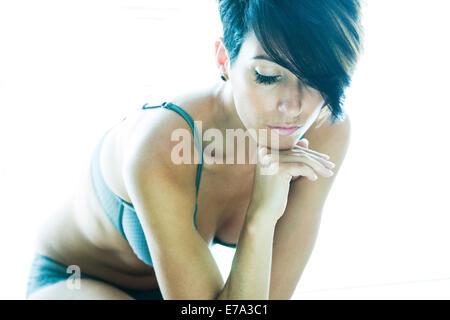 Frau in tiefe Gedanken - Stockfoto