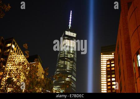 New York, USA. 11. September 2014. Hommage an Licht und World Trade Center Tower One Am 13. Jahrestag von 9/11 Angriffe. - Stockfoto