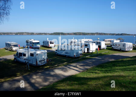 Freizeitfahrzeug Linien in Örnäs Campingplatz, Åmål, Schweden - Stockfoto