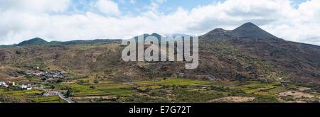 Panoramablick, Plantagen in der Nähe von Santiago del Teide, Vulkanlandschaft, Teneriffa, Kanarische Inseln, Spanien - Stockfoto