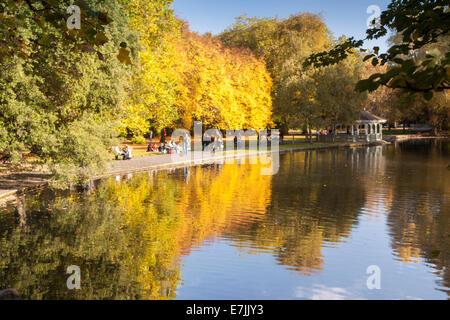 St. Stephens Green Park im Herbst Dublin Irland - Stockfoto