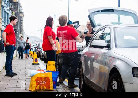 """Aberystwyth Wales UK, Freitag, 19. September 2014 zu Beginn des Schuljahres 2014 / 15, """"frischer"""" Erstsemester- - Stockfoto"""