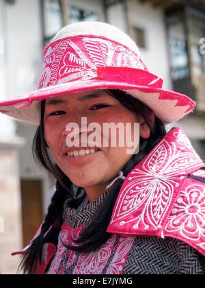 Quechua-Frau in Cusco Woche Sterzinger findet jedes Jahr im Juni im Vorfeld des Inti Raymi Fest - Cusco, Peru - Stockfoto