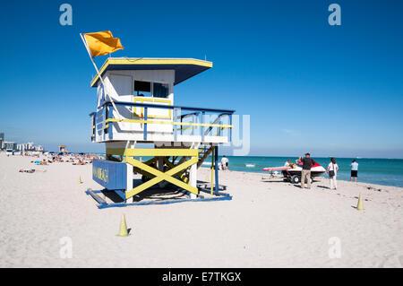 Miami Beach aus Holz Rettungsschwimmer-Turm im Art Deco Stil, Florida, USA - Stockfoto