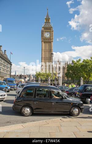 Zentral-London, UK. 24. September 2014. Schwarzes Taxi Taxifahrer protestieren TfL Taxi Politik heute mit einer - Stockfoto