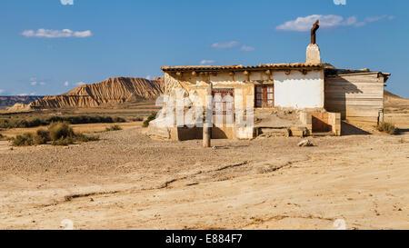Alte Hütte in der Wüste Bardenas Reales, Navarra, Spanien. - Stockfoto