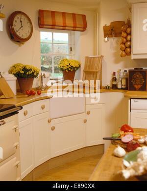 Uhr Auf Eine Kuche Wand Stockfoto Bild 5832669 Alamy