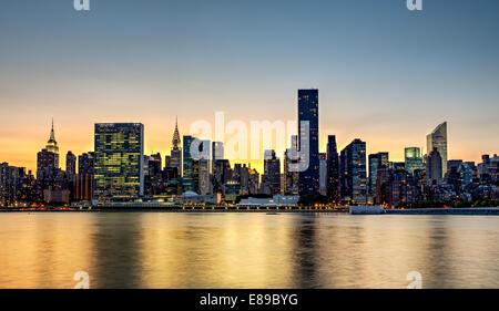 Skyline von Midtown Manhattan New York City. Stockfoto