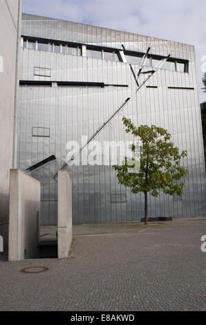 Jüdisches Museum, entworfen von Libeskind in Berlin Deutschland - Stockfoto