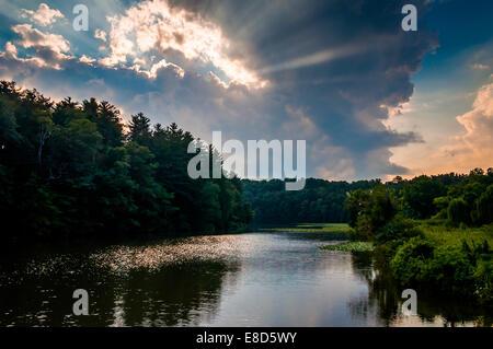 Sonnenuntergang über Williams Lake, in der Nähe von York, Pennsylvania. - Stockfoto